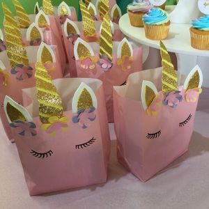Other - 12 Unicorn Favor Bags